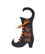 The Witch Is In Door Hanger Plaque Halloween Decor Grasslands - $261,18 MXN