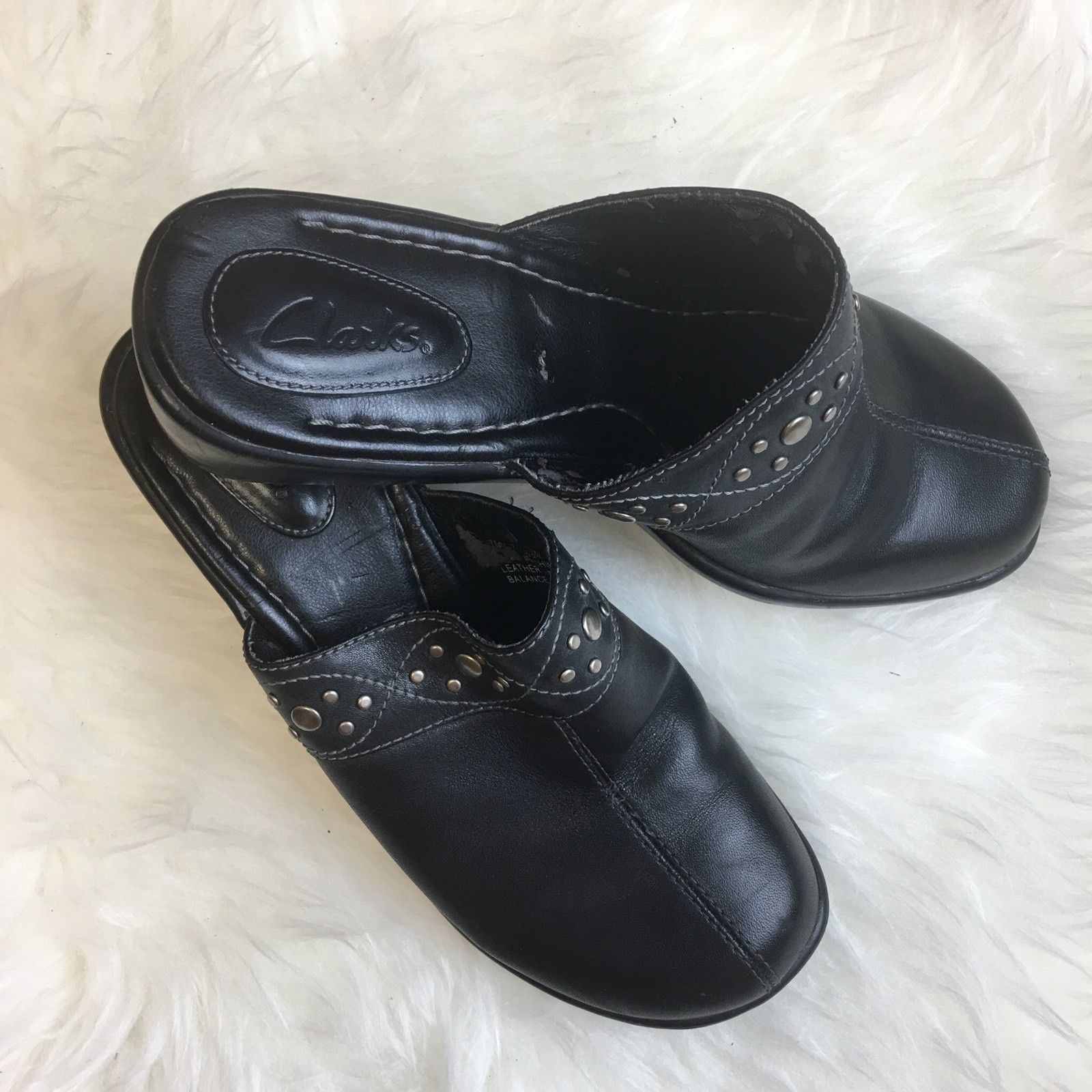 Clarks Womens Size 6.5 M Clogs Mules Black Leather