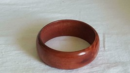 """7.5""""VINTAGE CHERRY WOOD 1""""WIDE BAND BANGLE BRACELET,STAINED,SHELLAC,NICE... - $4.94"""