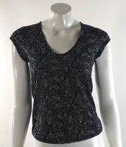H&M Womens Top Size XS Black White Printed Fitted Tee Shirt Curved Hem - $5.53