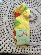 ankle socks size 9-11 women and girls yellow with Paisley pattern - $3.63