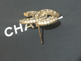 AUTHENTIC CHANEL XL LARGE CRYSTAL CC LOGO STUD GOLD EARRINGS  image 8
