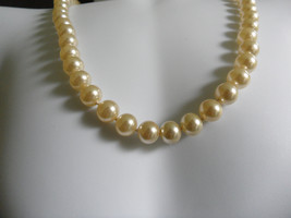 1950s Champagne Pearl Necklace Single Strand Pearl Necklace - $27.50