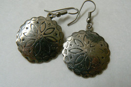 Silver tone metal hand crafted  Southwest style circle dangle earrings - $14.26