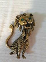 Vintage Costume Jewelry Happy Goldtone Lion Pin Green Rhinestone Eyes - $11.29