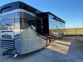 2019 Winnebago Forza 38W FOR SALE IN Royse City, TX 75189 image 2