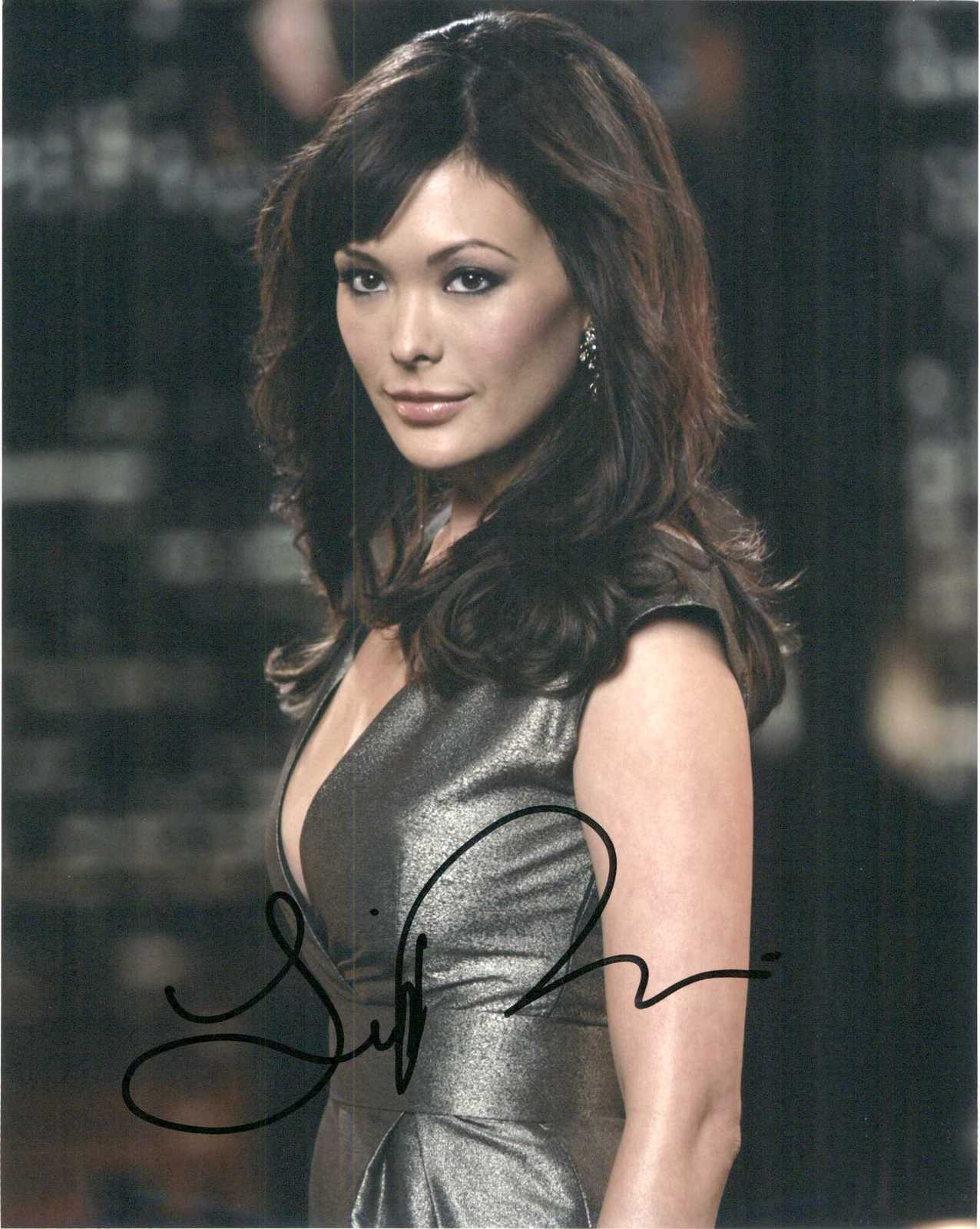 Primary image for Lindsay Price Signed Autographed Glossy 8x10 Photo
