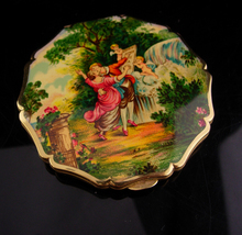 "Vintage victorian compact - stratton enamel cupid painting top  - 3 1/2""... - $110.00"
