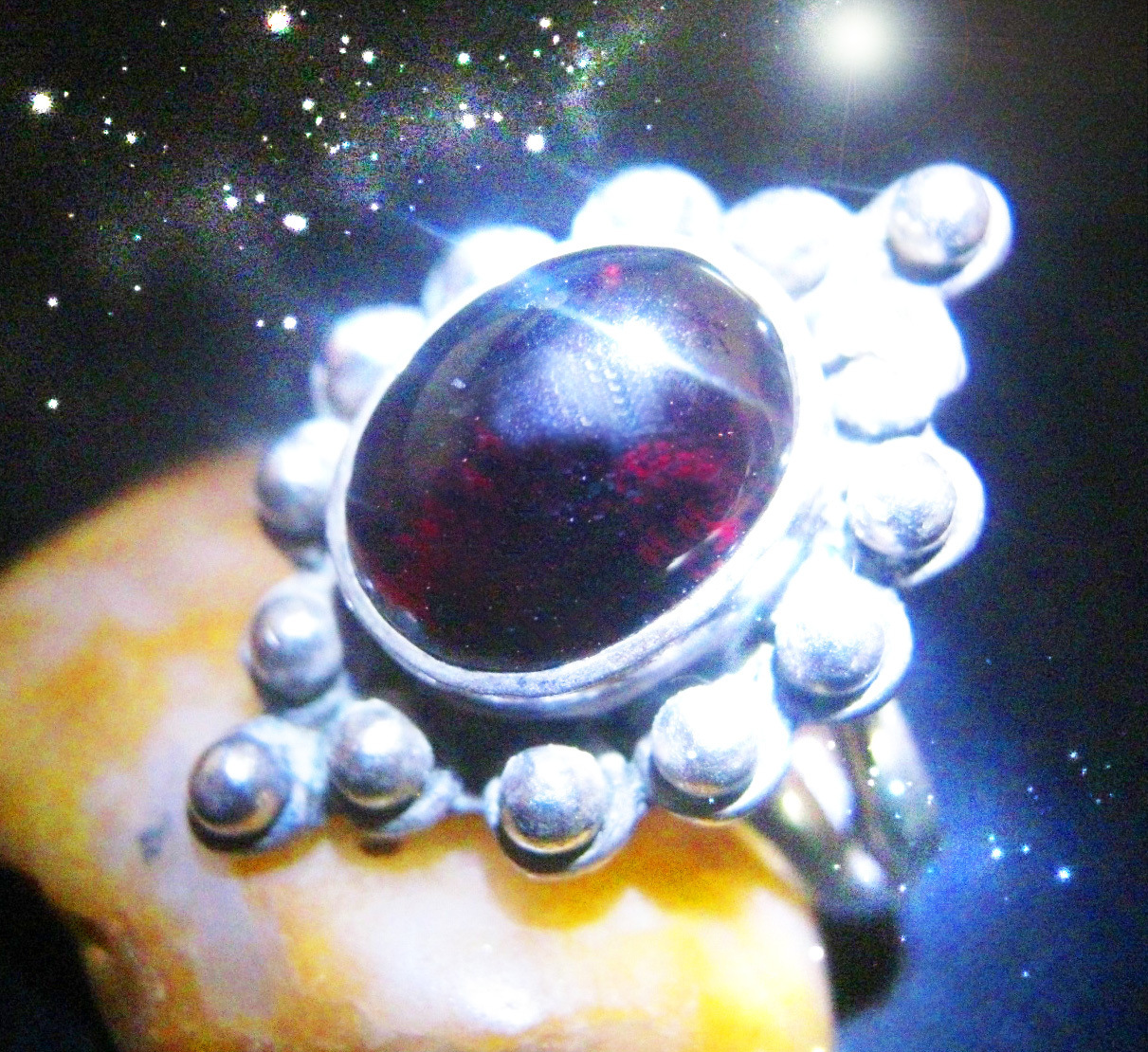 Primary image for HAUNTED VAMPIRE MIRROR NECKLACE CONTACT VAMPIRES EXTREME MAGICK SCHOLAR CASSIA4