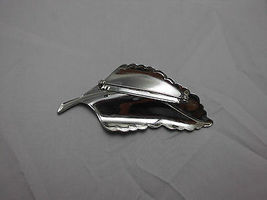 VTG  Large Silver Tone Leaf Pin Brooch  image 4