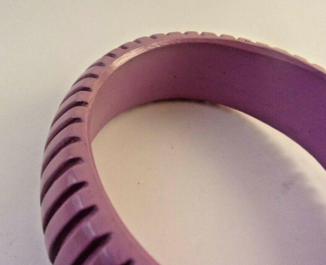 VINTAGE RETRO CHUNKY PLASTIC PURPLE LILAC RIBBED BANGLE BRACELET