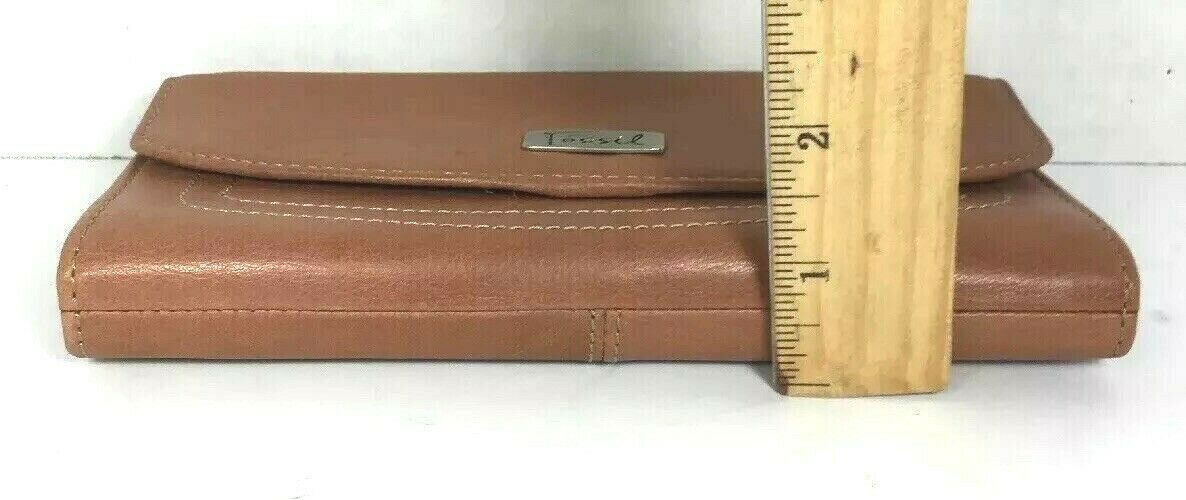 Fossil Brown Leather Clutch Wallet image 9