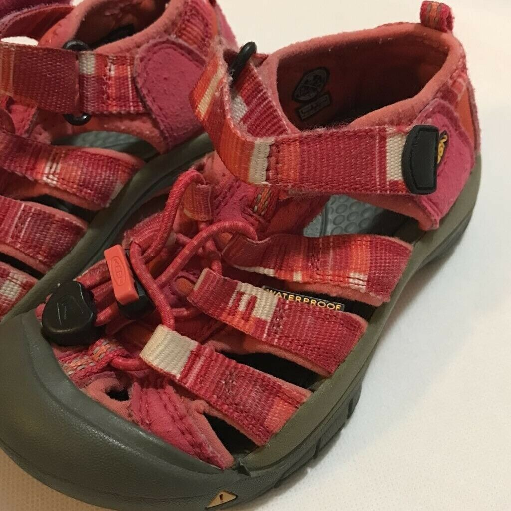 KEEN Girls Newport Water Sport Sandals Pink Adjustable Straps Summer Youth 10