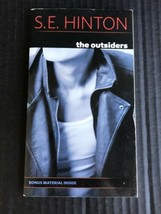 The Outsiders By S.E. Hinton Paperback Book 1995 In Excellent Condition -OJ - $6.99