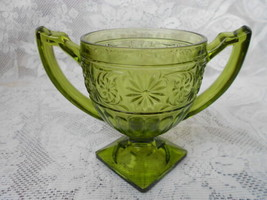 VINTAGE ANCHOR HOCKING GREEN GLASS COMPOTE SUGAR DISH - $2.99