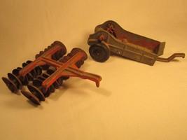 Vintage Diecast Farm Equipment Hubley Kiddie Toy Manure Spreader Plow [Z203f] - $17.94