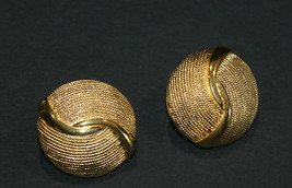 Napier Clip On Earrings Rope Texture Swirl Dome Vintage - $15.47