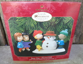1999 HALLMARK PEANUTS SNOW DAY 2 PC CHRISTMAS ORNAMENT CLUB EDITION NIB - $20.00