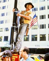 Paul Hogan in Crocodile Dundee climbs New York lamp post 16x20 Canvas Gi... - $69.99