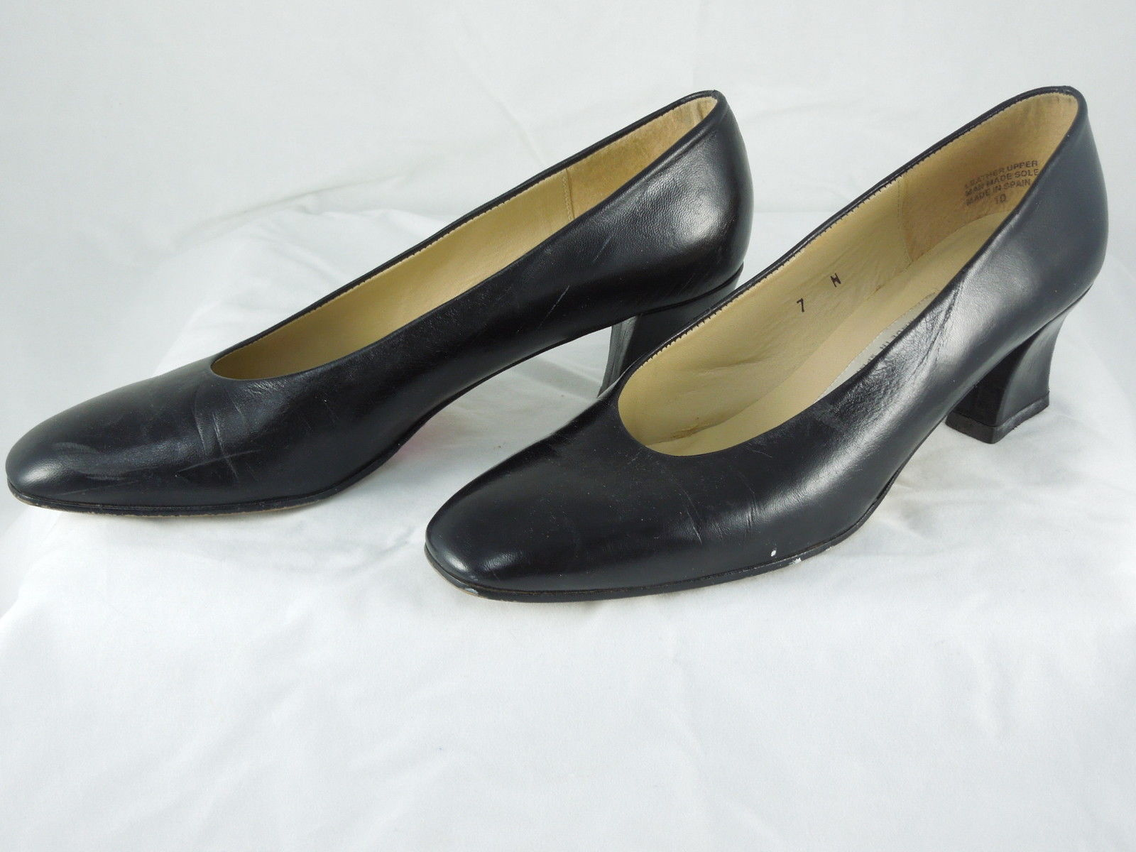 LADIES IMPORTED ETIENNE AIGNER Black Leather CASUAL WORK PUMPS rounded toe 7N