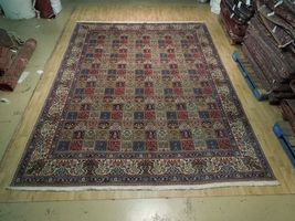 9 x 13 Fine Quality Complex Design Multi-Color Bakhtiari Persian Rug image 4