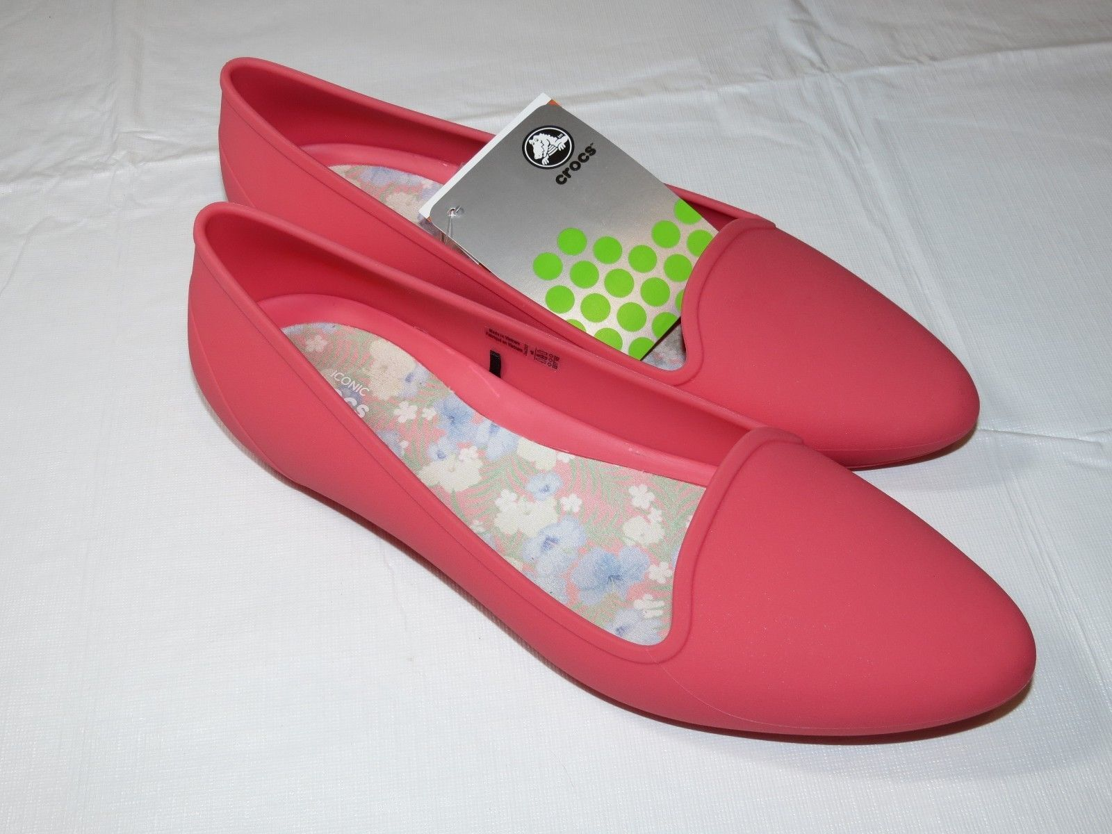 dc064be7fb7418 Crocs Womens Eve Flat W Coral standard fit W and 50 similar items. S l1600