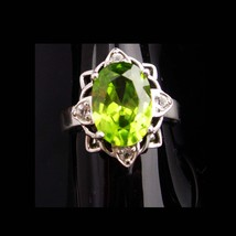 4CT peridot ring / Cocktail Ring / Vintage Sterling Silver ring /  Size ... - $195.00