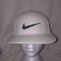 Nike Golf VRS 20XI White FlexFit Baseball Hat Black Logo - $14.69
