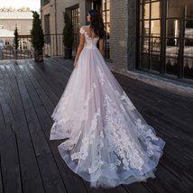 Elegant Sweetheart Off Shoulder Elegant Lace Appliques Wedding  Dress image 2