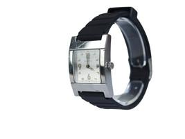 Auth GUCCI 7700L Silver Dial Stainless Steel Women's Quartz Watch GW12335L - $184.44 CAD