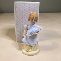 Vintage A Mothers Love AVON 1981 Handcrafted Porcelain Figurine Child Mother - $5.93