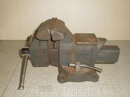 "Craftsman bench vise 51865 4 1/2"" swivel anvil combo - $90.00"