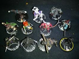 Heroclix 11 Piece lot Heroclix Figures - $12.87