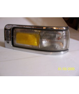 1997 LINCOLN TOWNCAR RIGHT CORNER MARKER TURN SIGNAL CORNER LIGHT USED OEM - $226.71
