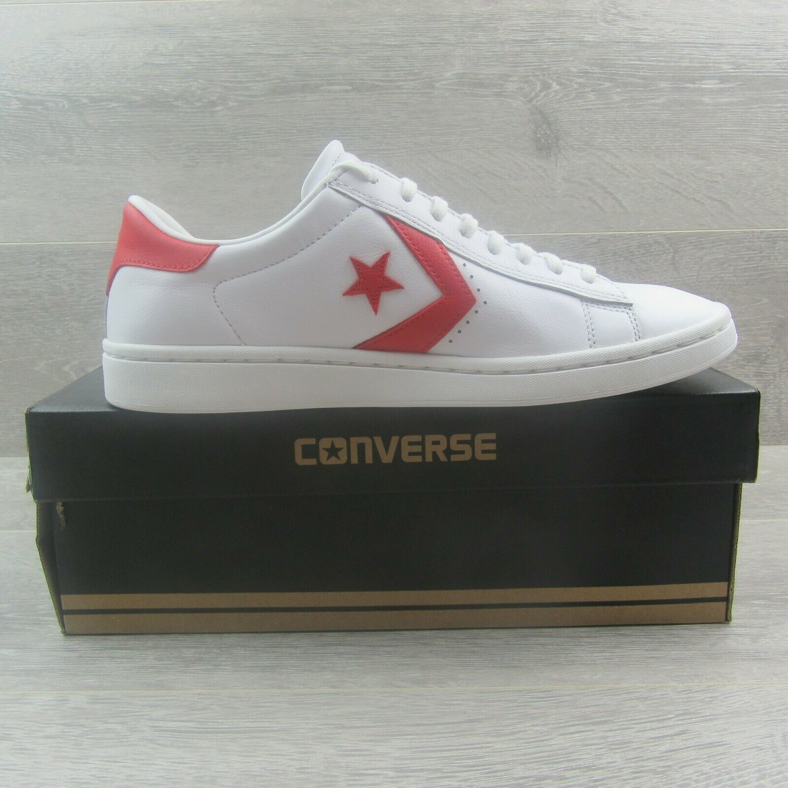 Converse Pro Leather LP OX Womens Size 10 White Casino Red NEW 555933C