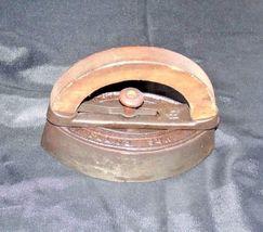 Mrs Potts SAD Iron Note 3 Potts with handle AB 565-EAntique image 5