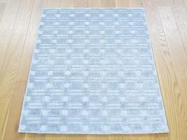 2'x3' Tone on Tone Grey Wool and Silk Hand Loomed Rug G29950 - $109.04