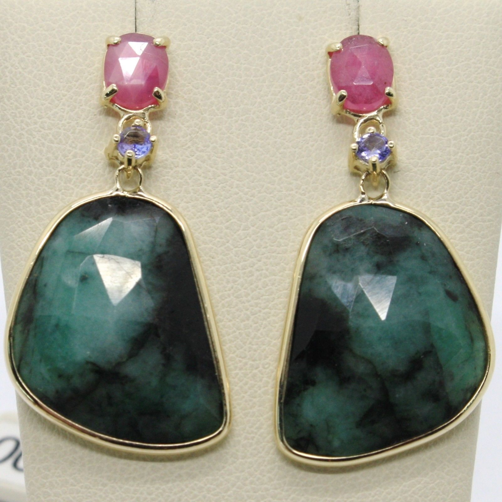 9K YELLOW GOLD PENDANT EARRINGS, BLUE & OVAL PINK SAPPHIRE, DROP GREEN EMERALD