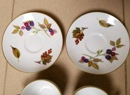 Set 2 Vintage Royal Worcester Evesham Tea Cup & Saucer England Plum Apples Plate image 5