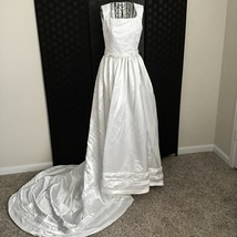 Satin Jacquard Pearl Bridal Wedding Gown w/ Train Pleated Sleeveless Whi... - $211.88