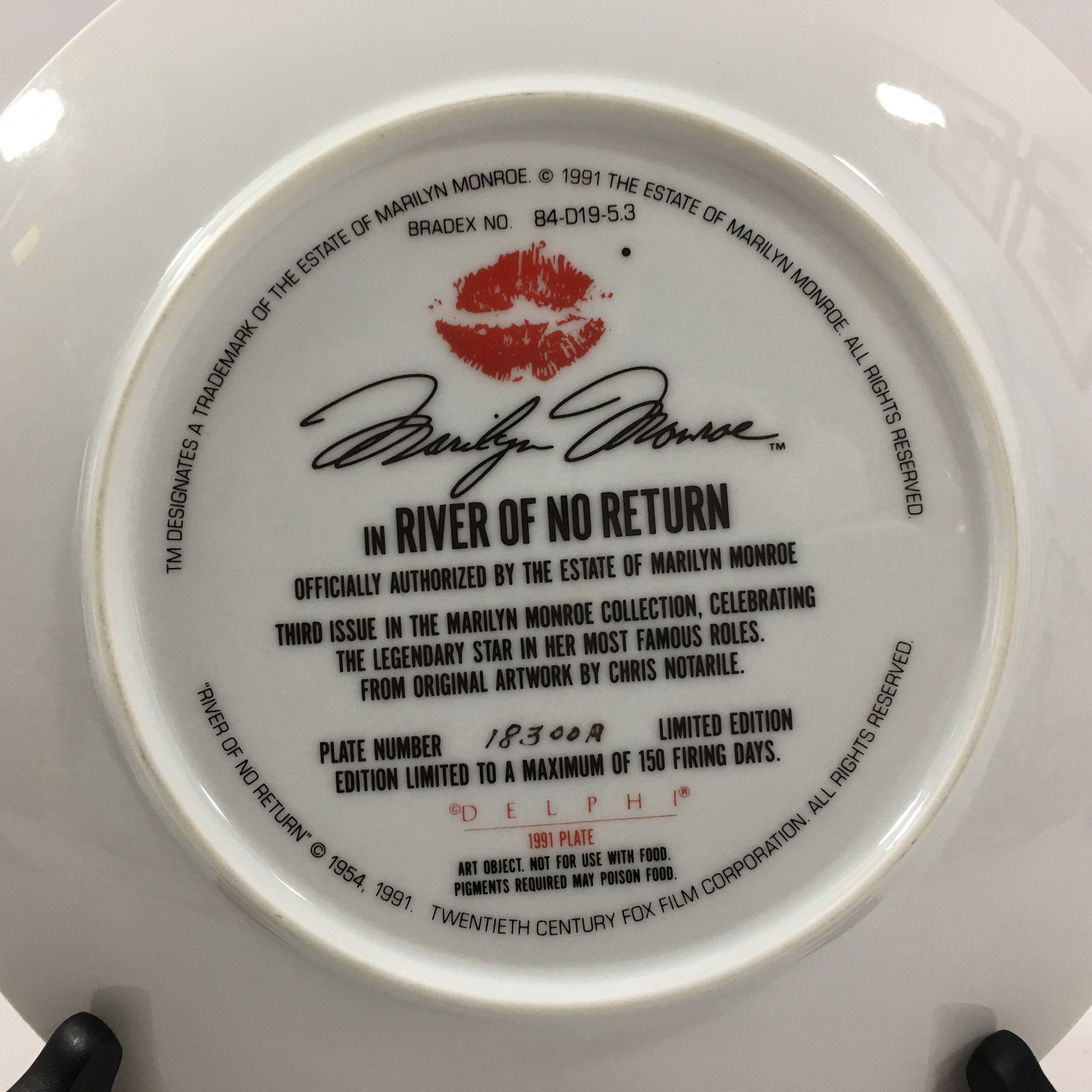 "Delphi The Marilyn Monroe Collection ""River of No Return"" Plate"