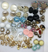 Vintage Mixed Lit Clip On Earrings 34 Pairs Pastels Faux Pearl Black - $43.60