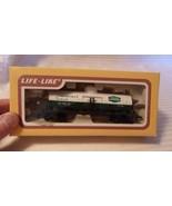 HO Scale Life-Like Union Carbide Single Dome Tank Car, White, #501 BNOS - $14.85