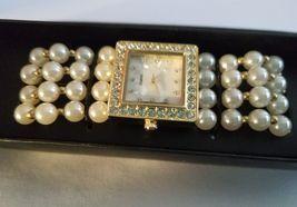 Modern Pearlesque Stretch Bracelet Watch image 7