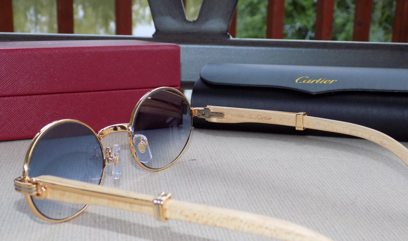 e7a0bac2162c Cartier Smooth Tulip Whitewood Blue Lens Buffalo C Décor Sunglasses