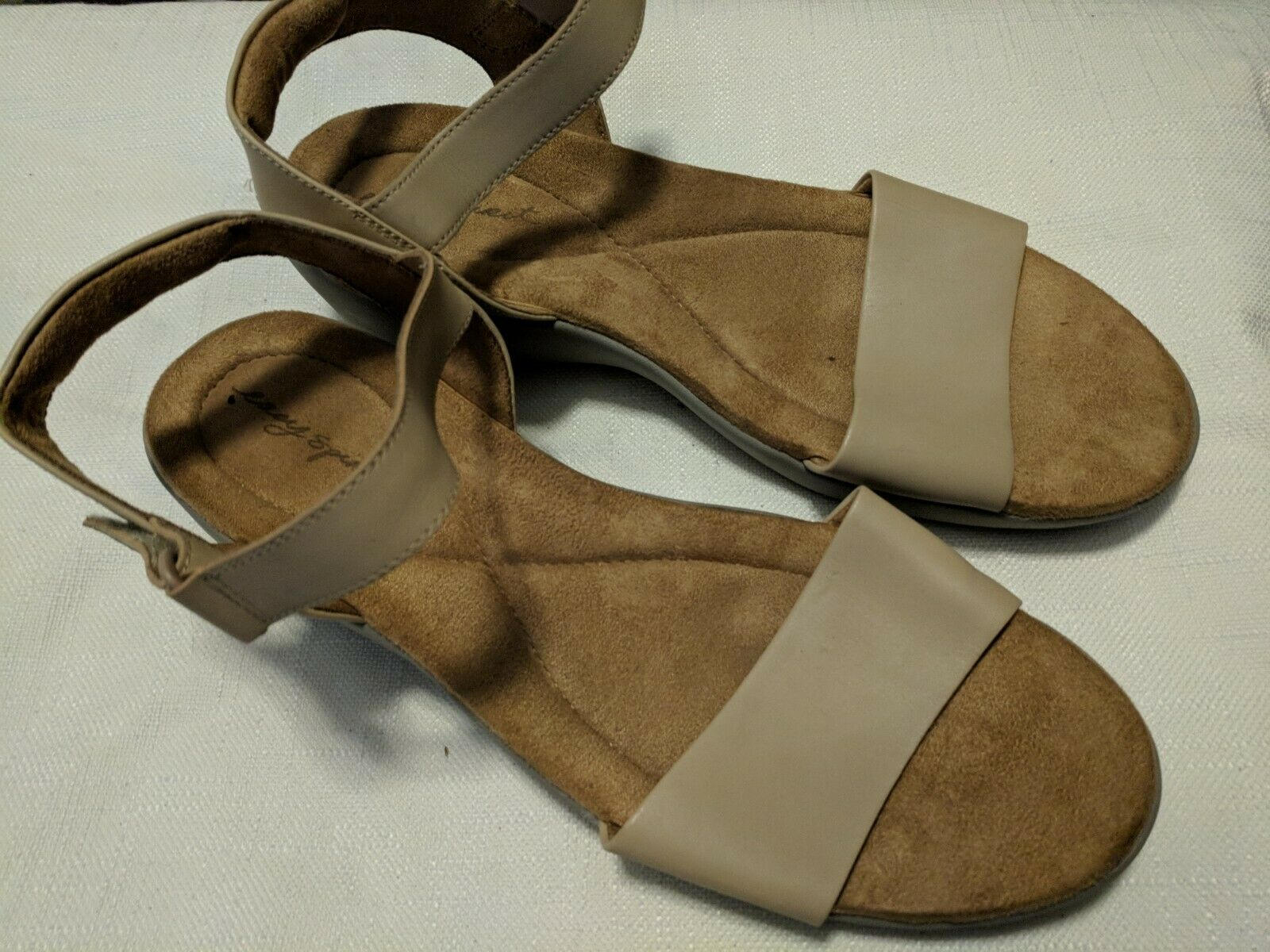 "Easy Spirit ""Kaymee"" Women's Tan & Gray Ankle Strap Wedge Sandals Size 11 - $32.89 CAD"