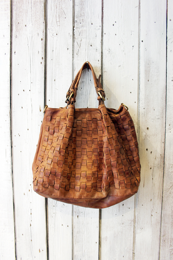 Intreccio 79 handmade woven leather bag