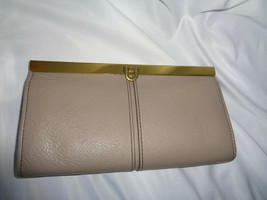 FOSSIL KAYLA CLUTCH FRAMED WALLET LIGHT TAUPE LEATHER SL7825263 PUSH LOCK  - $52.97