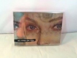 Victoria's Secret Eye Shadow Palette All Eyes on You 6 Colors - $18.99