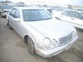 96-98 99 00 01 02 03 Mercedes E320 R. CORNER/PARK Light 126952 - $59.40